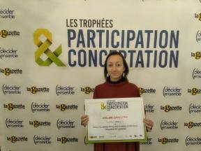 Christelle CHAPEL-PRUDHOMME - Réception du Trophée de la Participation et de la Concertation *(2019). 4E Edition co-organisée par La Gazette des Communes et Décider Ensemble.